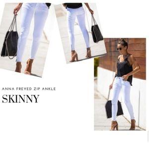 BNWT KanCan skinny white distressed zip ankle jean